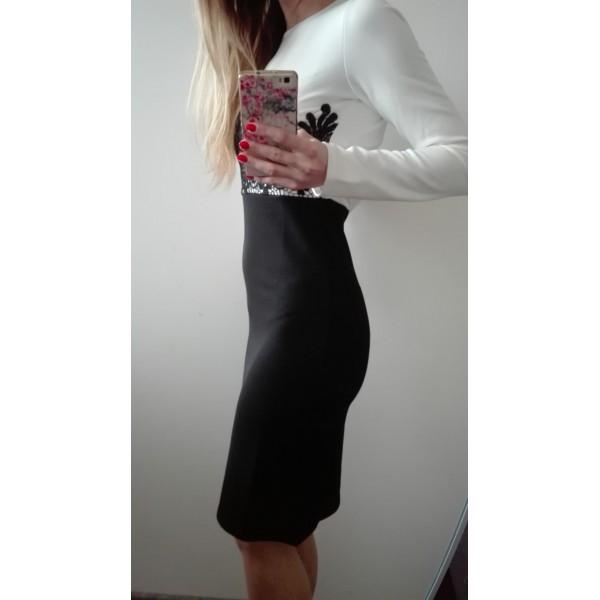 Spoločenské šaty dlhý rukáv Ivory Black - S Zväčšiť. Predchádzajúce. Ďalšie 2c45b99be40